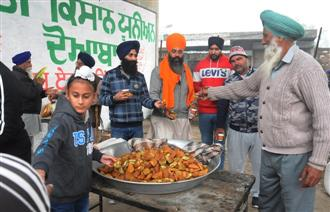 Hundreds of tractor-trailers with ration reach Sangrur