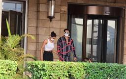 Deepika Padukone gives Ranveer Singh a kiss before she jets off with Siddhant Chaturvedi; see viral pictures