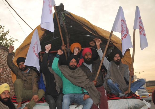 More farmers from Punjab leave for Kundli border