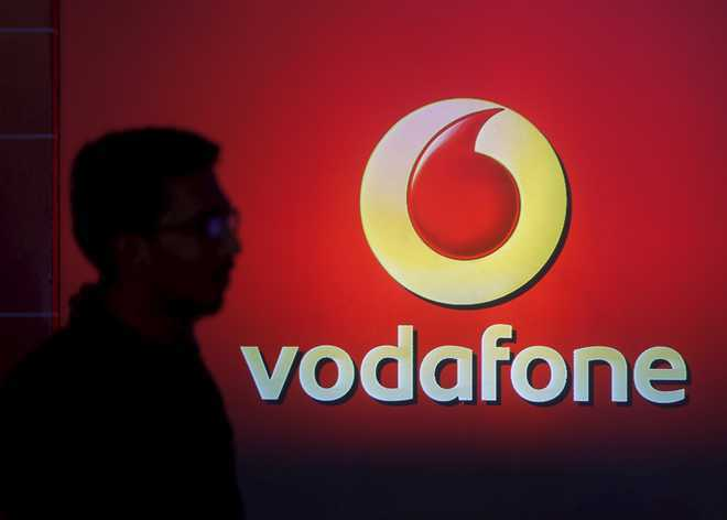 After SC rap, DoT orders telcos to clear dues by 11.59 pm tonight