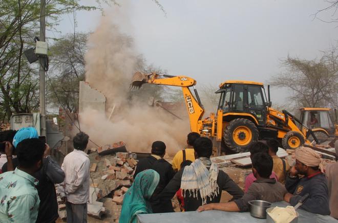 35 illegal houses razed in Dhobiana Basti