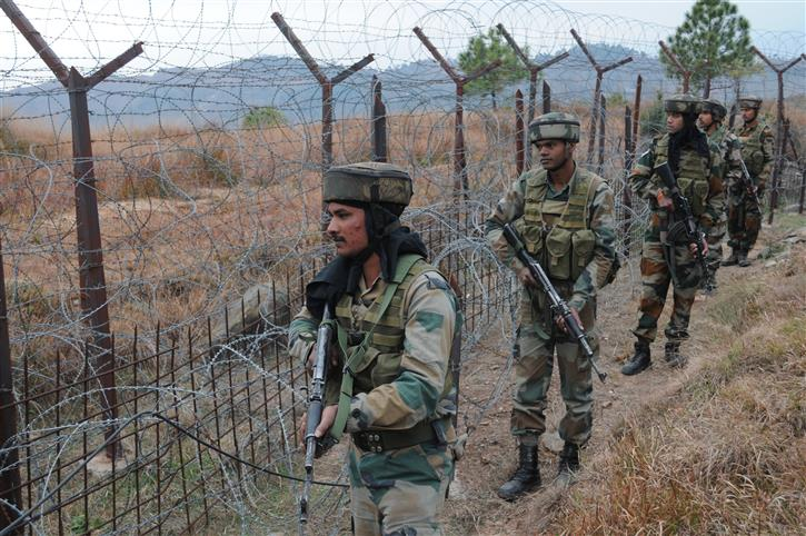 Pakistan Army shells forward areas along LoC in Poonch district