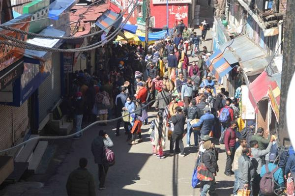 To ease supply of essentials, admn relaxes curfew norms