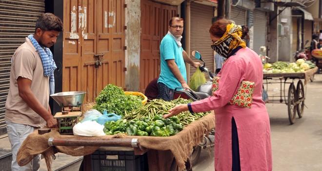 Admn efforts help bring down prices of veggis