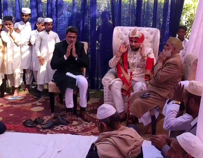 Acknowledging Sikhs' compassion, Muslim groom sports turban at his wedding