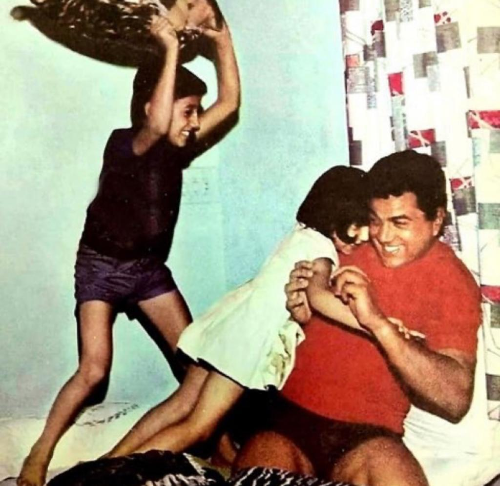 Sunny Deol has pillow fight with dad Dharmendra in throwback picture