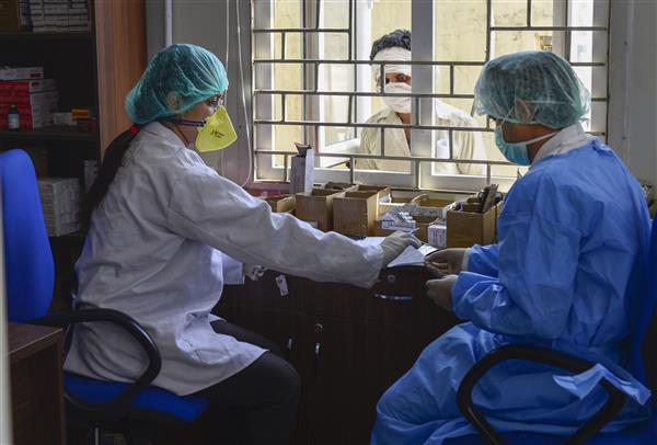 COVID-19: SC orders govt to ensure availability of PPE for doctors, health workers