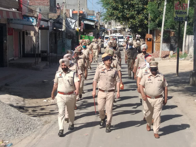 125 booked for violating curfew
