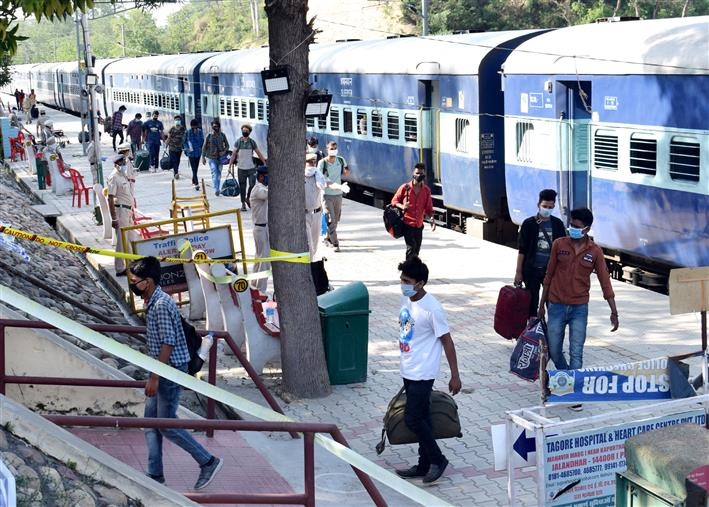 Himachal govt issues guidelines for those arriving by air, rail