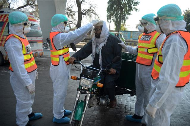 COVID-19 pandemic: Pakistan reports 1,452 new infections, 33 deaths
