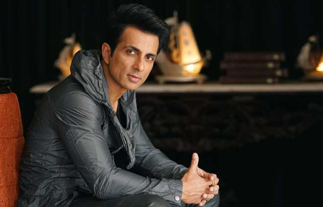 Sonu Sood's Mumbai local pass from the late 90s surfaces online, actor says 'life is a full circle'