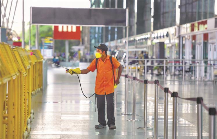 Flights start amid quarantine confusion