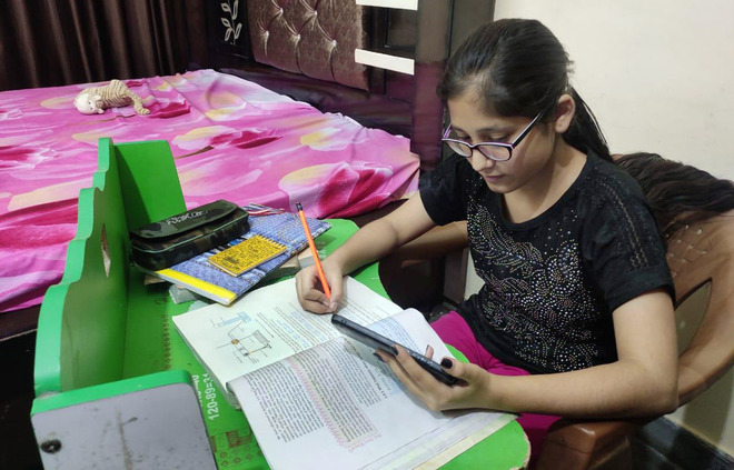Technology helps this IAS aspirant enrich her knowledge during crisis