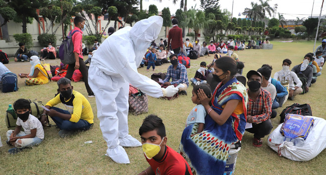 Migrants protest in Ludhiana