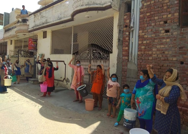 Wards go without water amid scorching heat