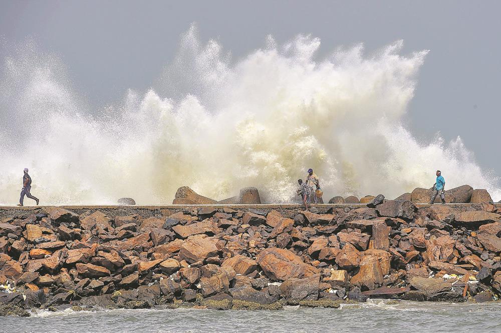 Global warming making storms violent: Experts