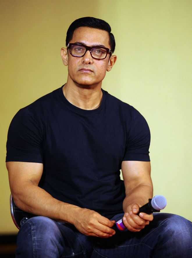 Aamir Khan's staff tests positive for Covid-19, says taking mother for test: 'Please pray she is negative'