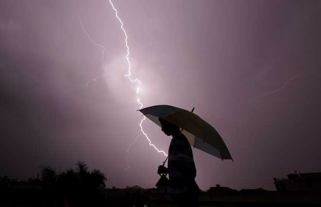 83 dead in lightning strikes in Bihar