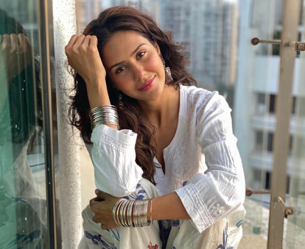 Punjabi actress Sonam Bajwa faces cyber-bullying, users share 'fake chats'