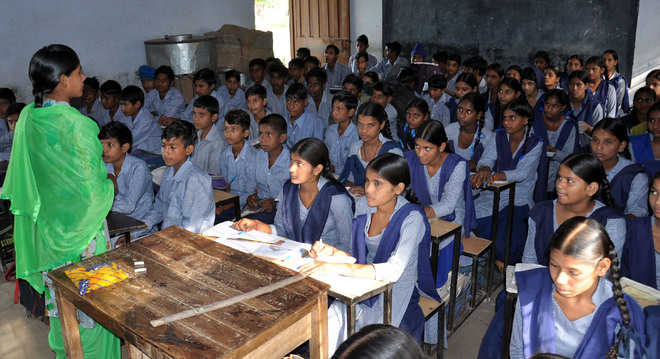 UT Admn extends holidays in govt, aided schools in view of lockdown