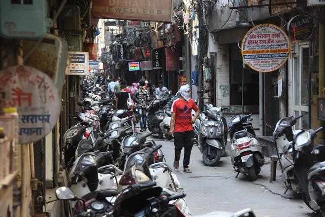 Sarafa Bazaar witnesses massive dip in footfall