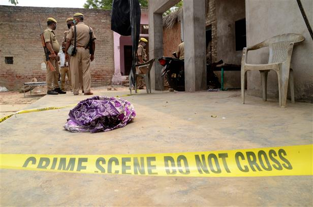 8 UP Police personnel killed, 7 injured in encounter with criminals in Kanpur