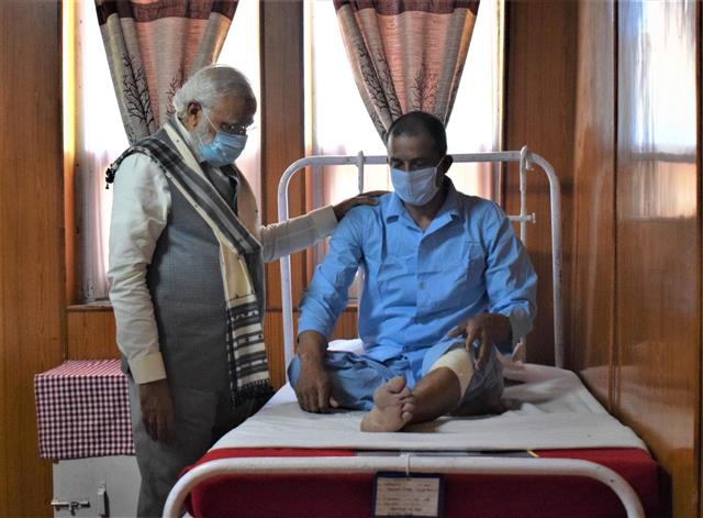 Hall visited by Modi at Leh part of hospital, clarifies Army
