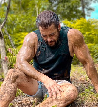 'Which farmer does a photoshoot': Social media mocks Salman Khan's post