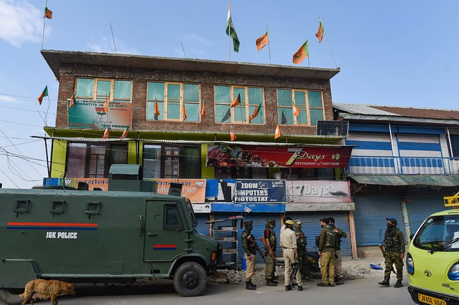 Bandipora killings: J&K BJP chief, others asked to extend stay at Valley