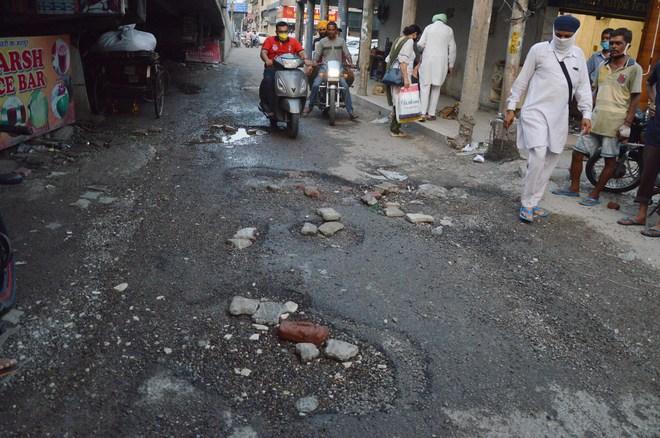 Ludhiana's Bhadaur House road bane of motorists
