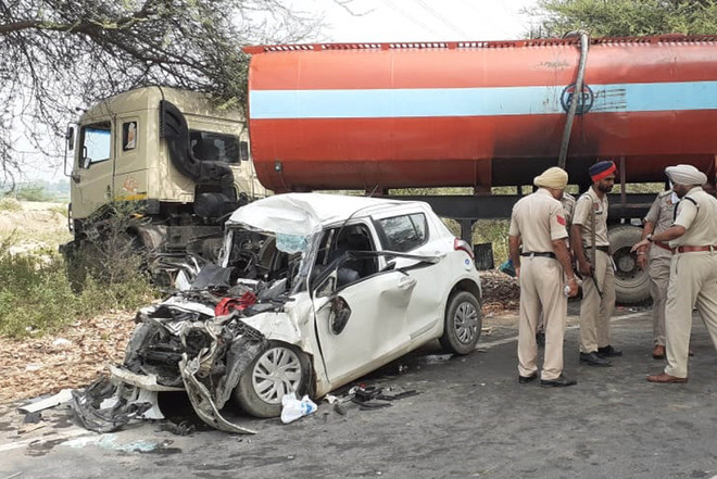 Five killed as car collides with tanker in Bathinda