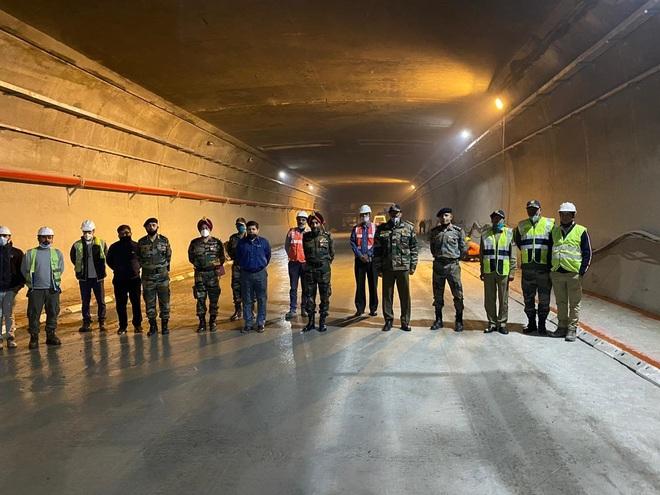 DG BRO reviews progress of Rohtang tunnel work