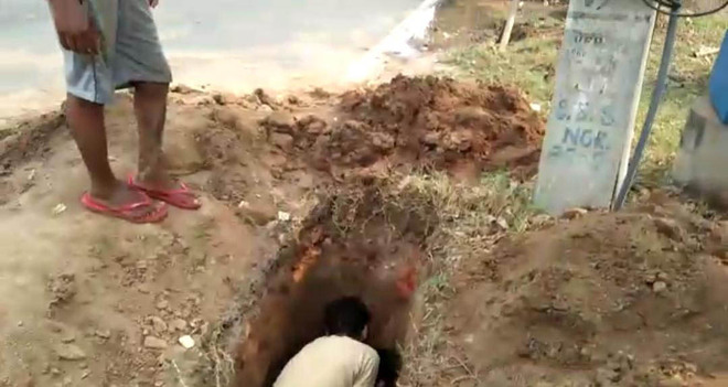 Realpolitik over digging of road by firm at SBS Nagar Colony