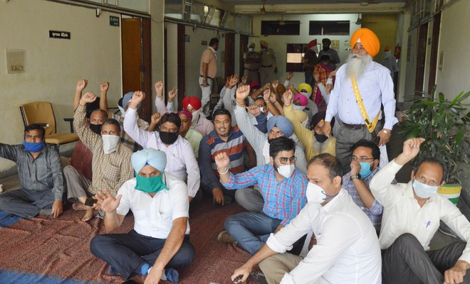 LIT employees go on strike to press for arrest of assailant