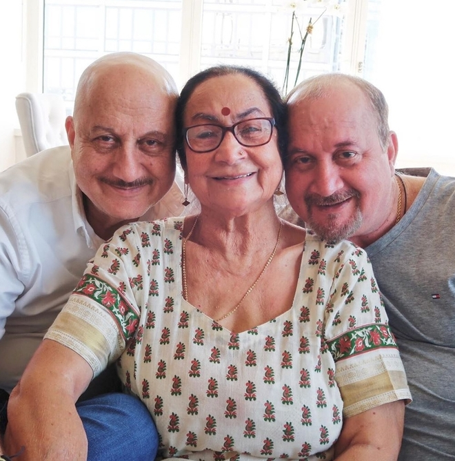 Anupam Kher's family too tests positive
