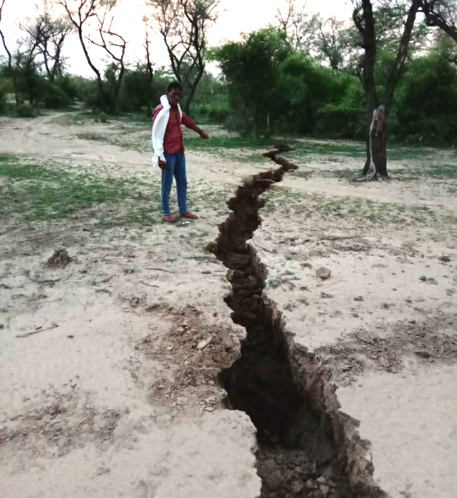 Decline in water table caused crack in Mahendragarh field: Experts