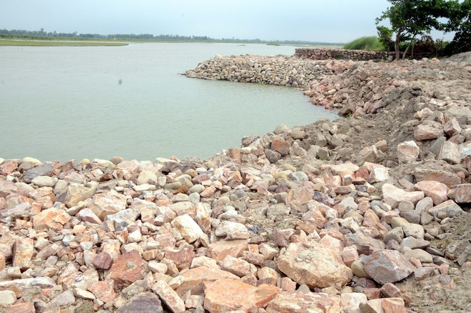 Flood-prevention repairs along Yamuna incomplete