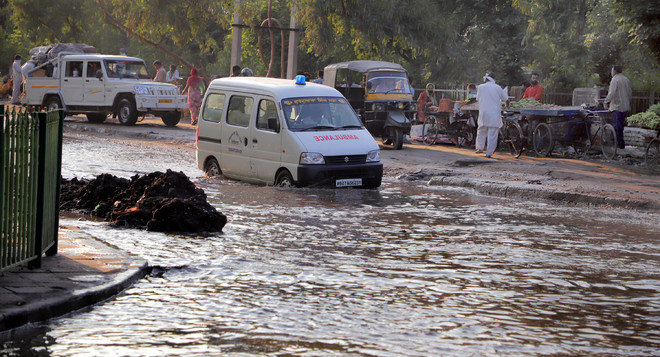 Waterlogged road leaves people in lurch