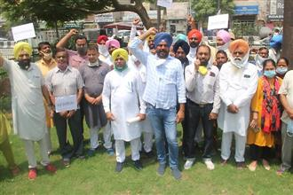 AAP, SAD up ante with regular protests