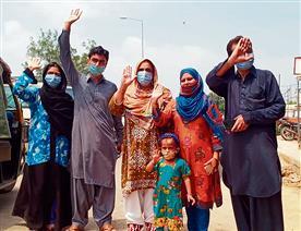 Stranded Indian, Pak nationals return via Attari-Wagah border