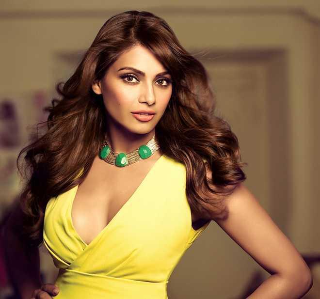 Found it stupid when people labelled me skinny, fat, dusky: Bipasha Basu