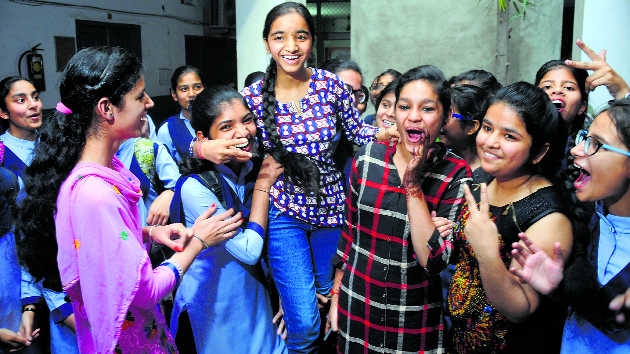 Punjab Class XII toppers to get  Rs 5,100 each on Independence Day