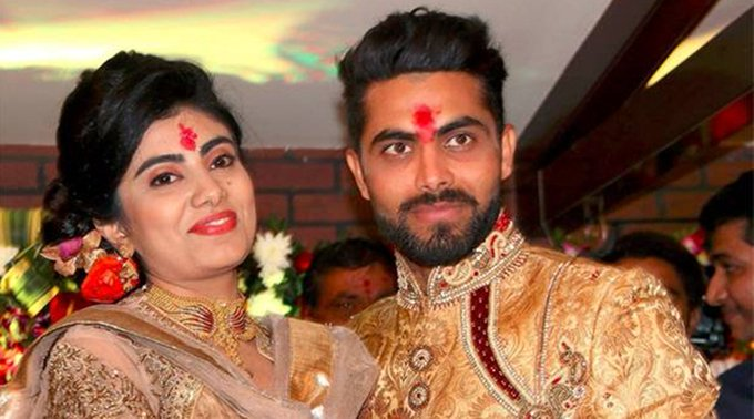 Ravindra Jadeja's wife Rivaba caught without mask, argues with cops