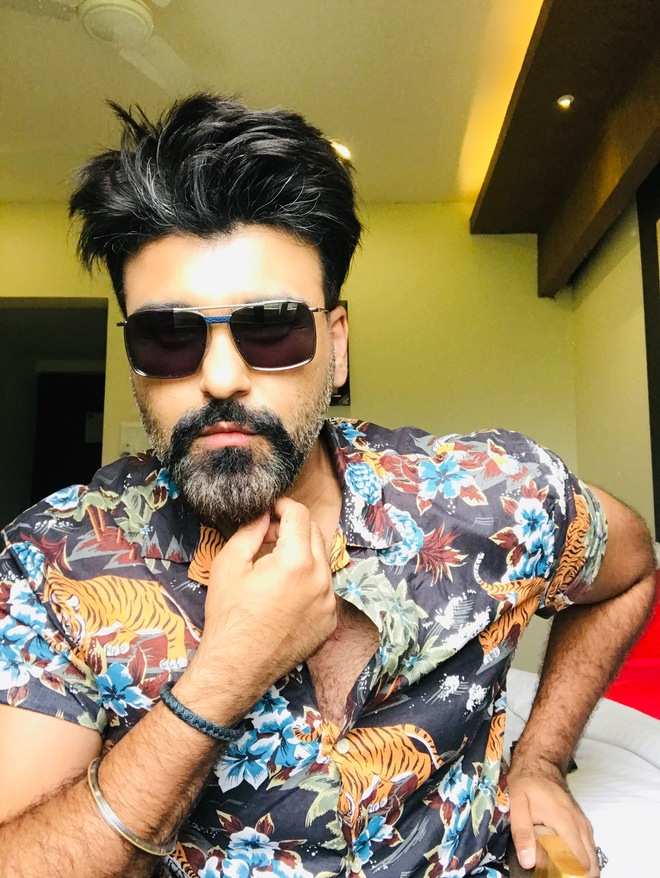 Aarya Babbar finds fun in the times of stress