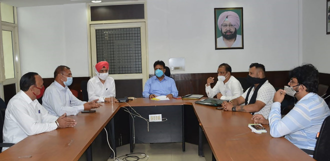 Sanitation ad-hoc committee members seek more workers in Jalandhar