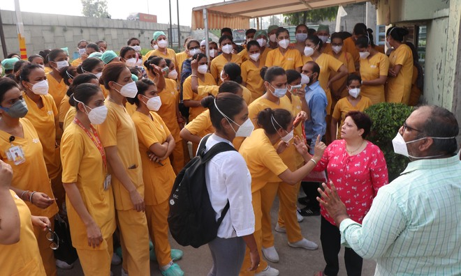 SPS Hospital nursing staff strike work, oppose roster