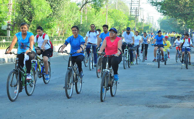 Fitness enthusiasts opt for cycling, sales pick up