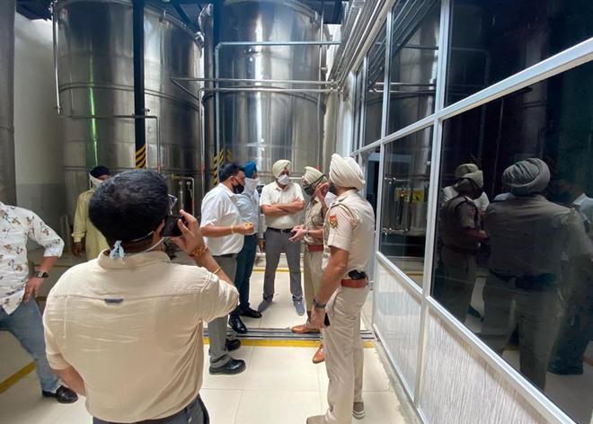 SDM, DSP visit Khasa distillery
