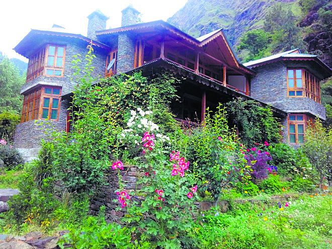 Hotels, homestays go without takers in Kullu, Manali