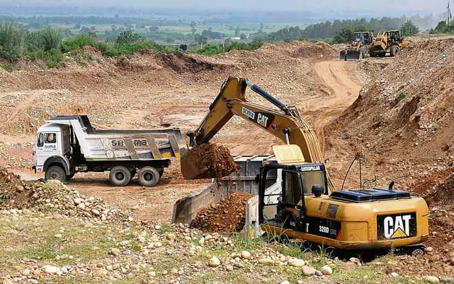 Illegal sand mining unabated in Fazilka, 44 held in 6 months